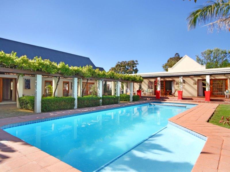 Pool Hotel Stellenbosch