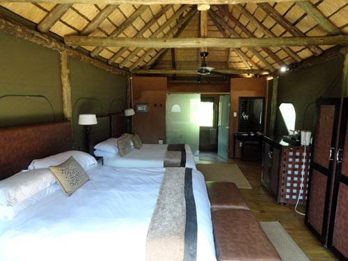 Zimmeransicht der Zelte im Safari Camp in Waterberg